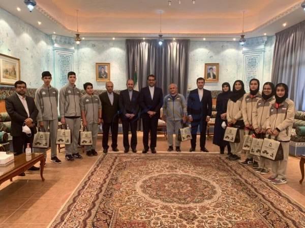 🔺 دیدار سفیر ایران در عمان با مربیان و اعضای تیم ملی تنیس روی میز نوجوانان کشورمان
