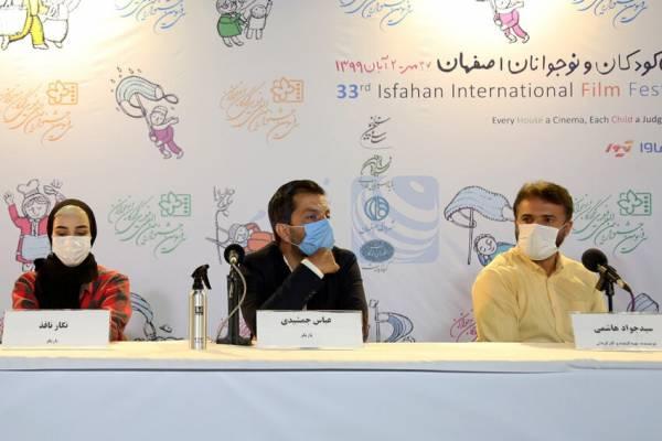سید جواد هاشمی : به نشانه اعتراض ماسکم را برمی دارم